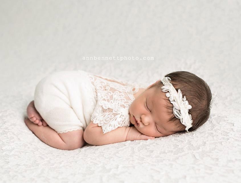 Newbornドレス☆繊細なレースのかわいいロンパース アイボリー