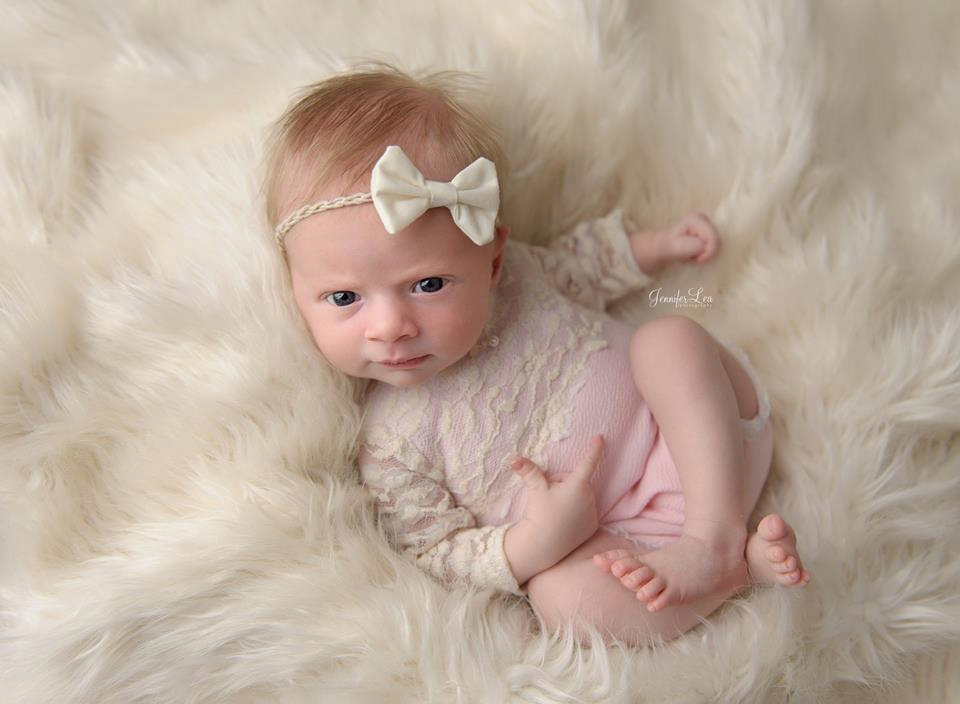Newbornドレス☆愛らしいレースの長袖ロンパース ベビーピンク