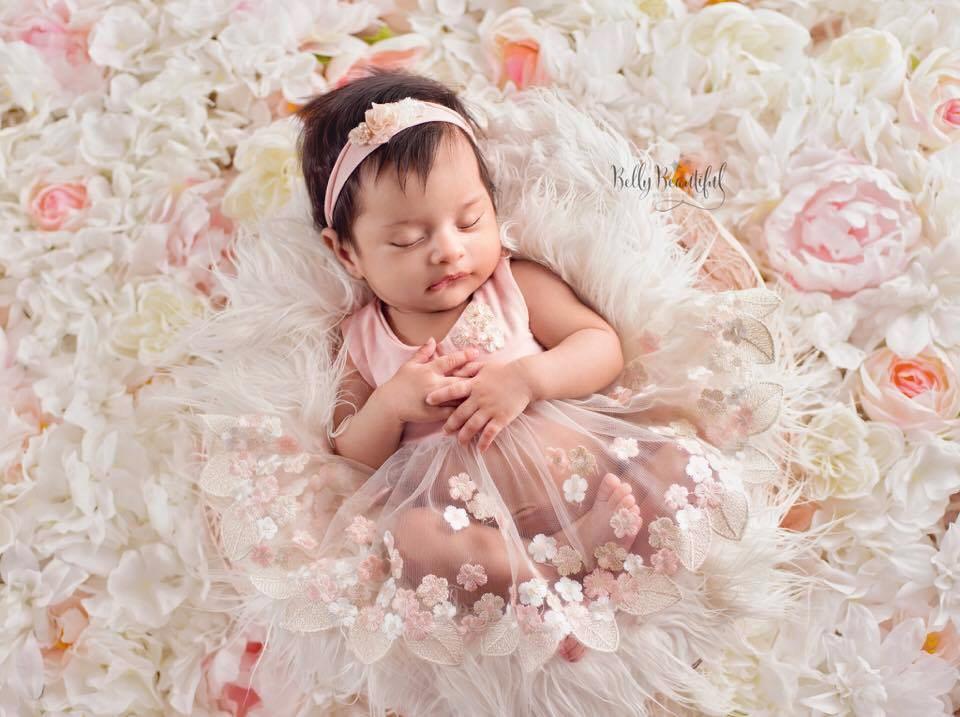 Newbornドレス☆小さなプリンセスに!花びらのメッシュドレス♪0ヶ月~12ヶ月