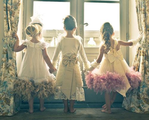 ラグジュアリードレス☆ サテンローズとゴージャスファーのエリザベスドレス♪【Elizabethan】