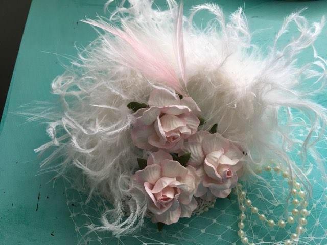 フェザーとバラがたっぷり☆リトルプリンセスのミニハット