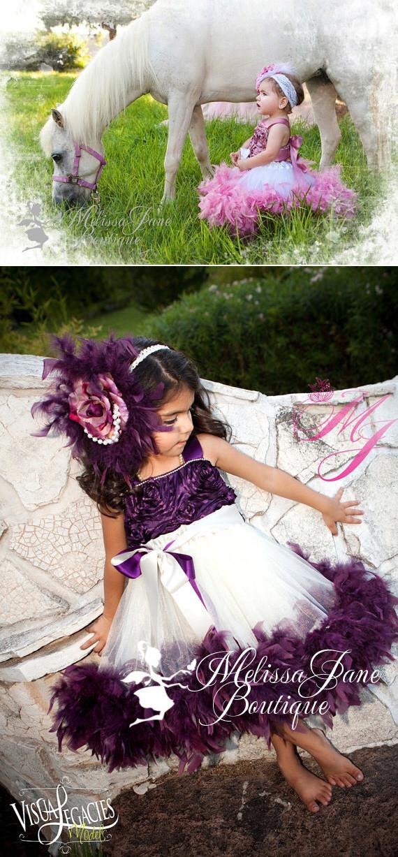 ダスティローズのふわふわフェザーロゼットドレス「Dusty Rose Classic Fluffy Feather Rosette Dress」1歳から6歳