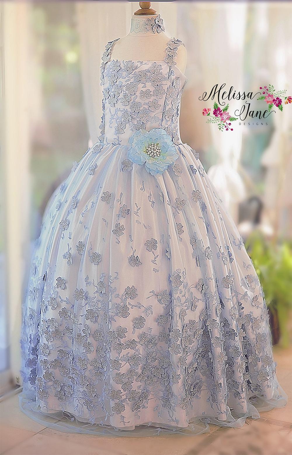 素晴らしい花のドレスとリムーバブルケープ「Exquisite One of a Kind Floral Girls Dress and removable Cape」4歳から14歳
