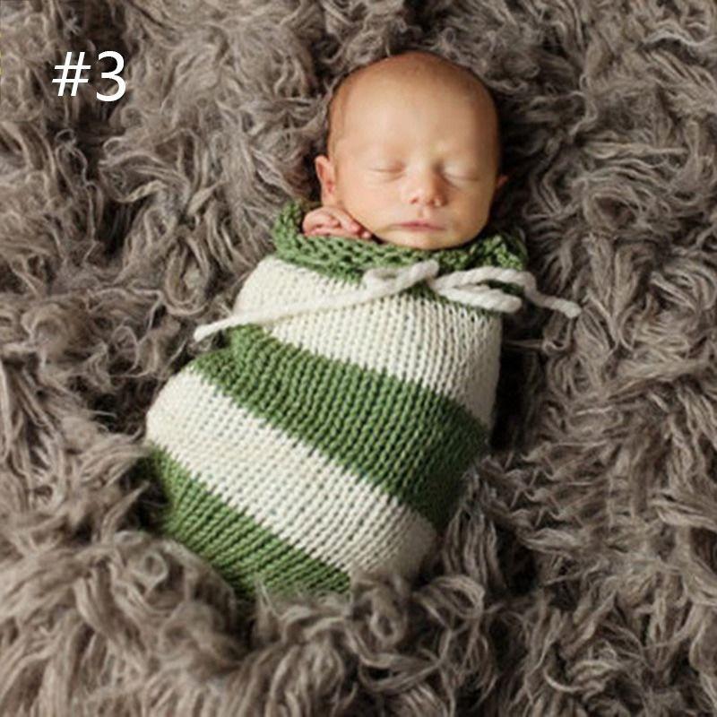 小さなプレゼント!?Newbornフォト かぎ針編みのスリーピングバッグ