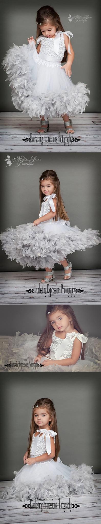 輝きときらめきのフェザードレス「Sparkles and Shine Girls Feather Dress」1歳から5歳