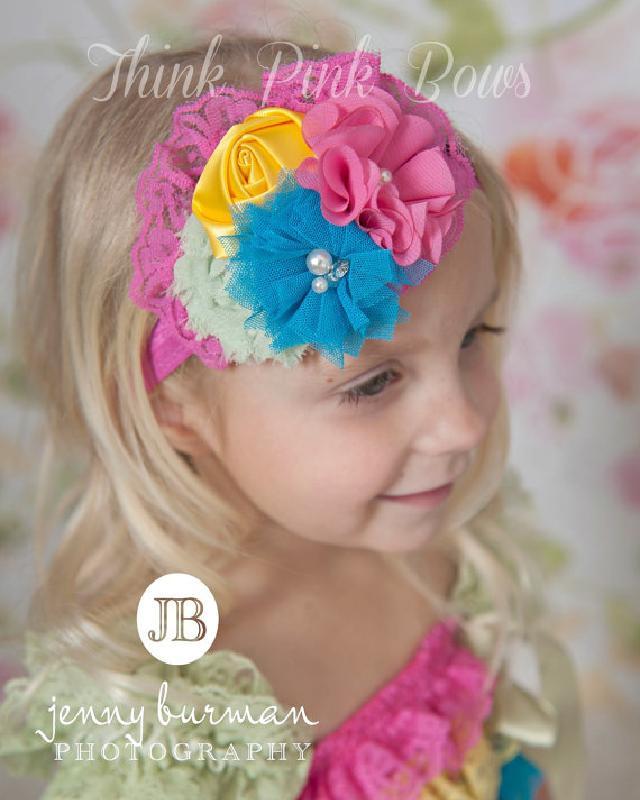☆素材の違うお花をブーケのようにまとめました♪お花とラインストーンのヘアバンド☆ピンクレース♪