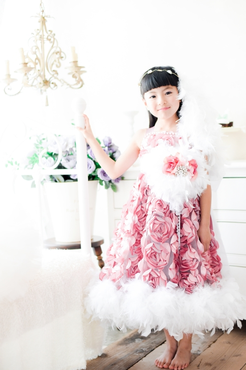 ピンクローズのフェザードレス